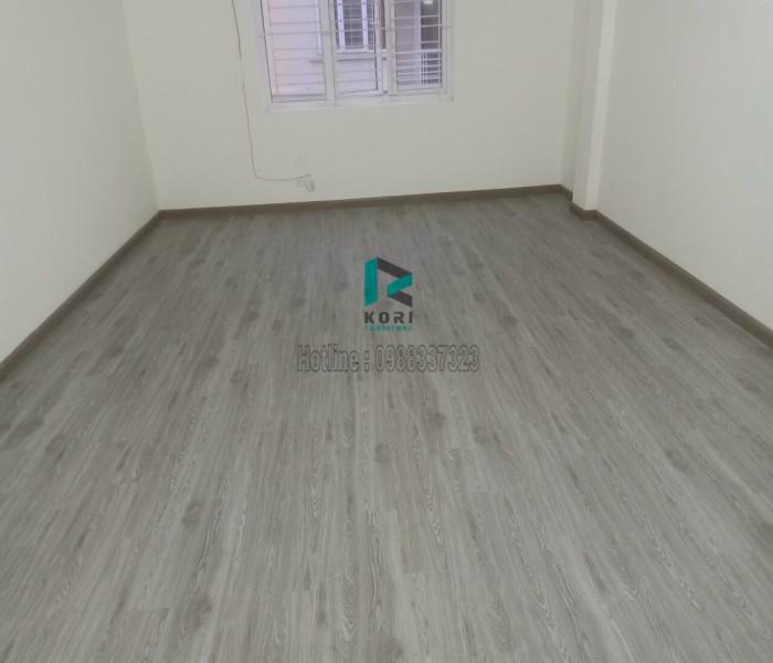 Làm sàn gỗ tại ngọc đại