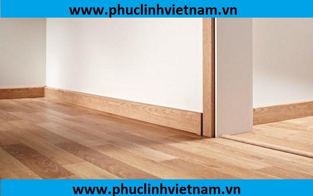phụ kiện sàn gỗ, phào chỉ chân tường giá rẻ