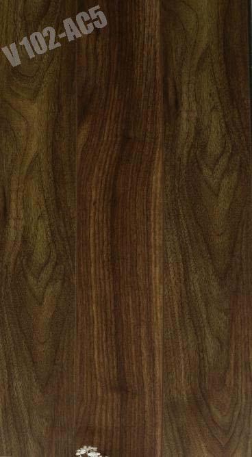 đặc điểm sàn gỗ công nghiệp cốt xanh v102, báo giá sàn gỗ công nghiệp thái lan,