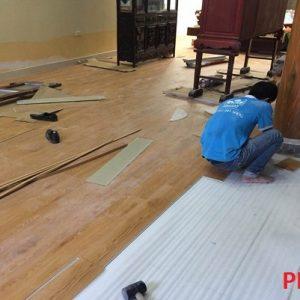 Chuyên thi công sàn gỗ công nghiệp và sàn nhựa vân gỗ