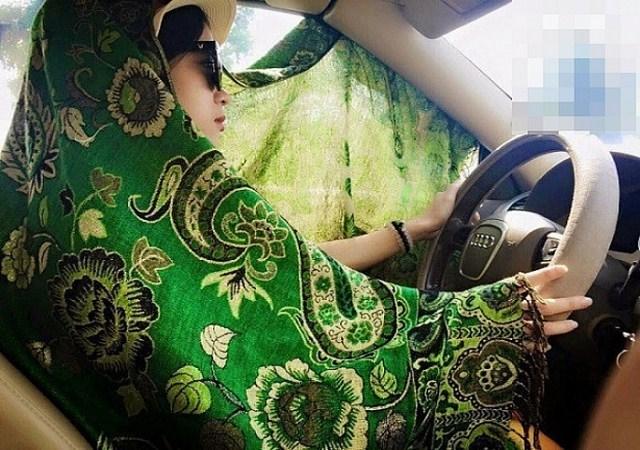 chống nắng khi lái xe oto, mặc áo chống nắng khi lái xe
