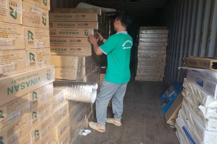 kho sàn gỗ công nghiệp Thái Lan