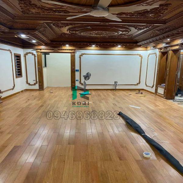 Sàn gỗ cho người mệnh Thổ tính bàn
