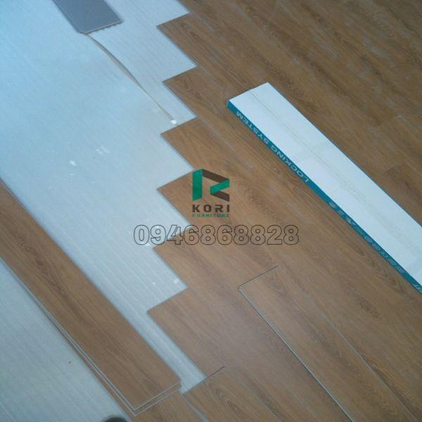 Sàn nhựa giả gỗ hèm khóa Bình Dương